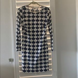 White and blue printed long sleeve tunic.